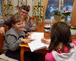 (7.2.2017) Homekoulut ajavat yhä enemmän lapsia kotiopetukseen