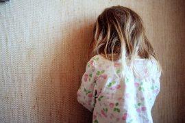 (1.7.2011) Kosketuksen puute voi masentaa lapsen