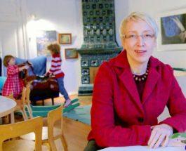 (10.1.2014) Lapsiasiavaltuutettu Maria Kaisa Aula irtisanoutui protestiksi