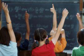(9.8.2012) Opettaja: Osa oppilaista hiihtää Aspenissa, osa ei saa kotona ruokaa