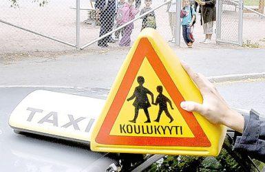 (23.8.2012) Espoolaisäiti piti kirjaa koulukyytikaaoksesta