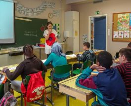 (7.10.2015) Kunnat vaikean paikan edessä – myös käännytettävien turvapaikanhakijoiden lapsille pitää järjestää peruskoulu