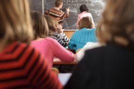 """(11.10.2012) """"Opettajalla ei ole ketään, kenelle soittaa"""""""