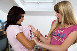 (24.3.2015) Tyttöjen välinen ystävyys on raakaa vallankäyttöä, joka voi jatkua aikuisiälläkin