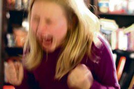 (15.10.2012) Opettajat kertovat häiriöoppilaista: Pulpetit lentävät, saksia vahditaan